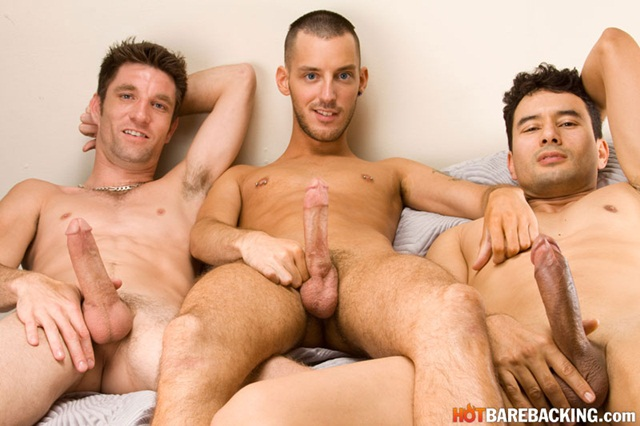 Hot bareback threesome with Gabriel DAlessandro and Gio Ryder and RJ Cummings 04 Ripped Muscle Bodybuilder Strips Naked and Strokes His Big Hard Cock torrent photo1 - Hot bareback threesome with Gabriel D'Alessandro and Gio Ryder and RJ Cummings