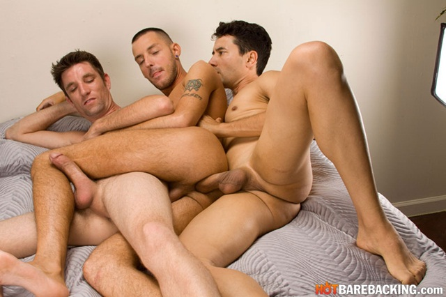 Hot bareback threesome with Gabriel DAlessandro and Gio Ryder and RJ Cummings 08 Ripped Muscle Bodybuilder Strips Naked and Strokes His Big Hard Cock torrent photo1 - Hot bareback threesome with Gabriel D'Alessandro and Gio Ryder and RJ Cummings