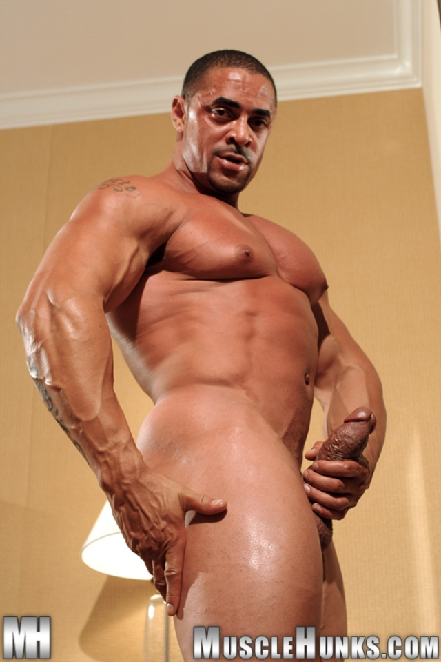 Eddie-Camacho-Muscle-Hunks-nude-gay-bodybuilders-porn-muscle-men-muscled-hunks-big-uncut-cocks-tattooed-ripped-09-gallery-video-photo