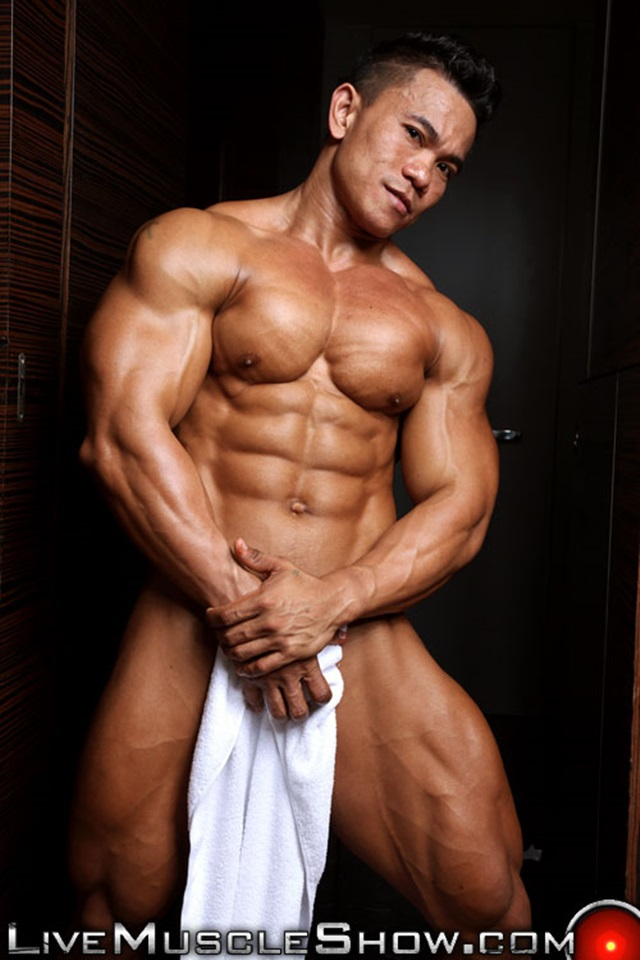 Joseph-Blessed-Live-Muscle-Show-Gay-Porn-Naked-Bodybuilder-nude-bodybuilders-gay-fuck-muscles-big-muscle-men-gay-sex-009-gallery-video-photo