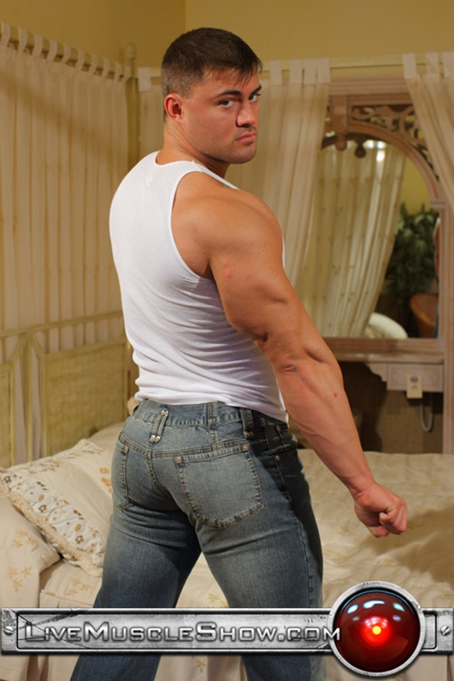 Rocky-Remington-Live-Muscle-Show-Gay-Porn-Naked-Bodybuilder-nude-bodybuilders-gay-fuck-muscles-big-muscle-men-gay-sex-003-gallery-video-photo