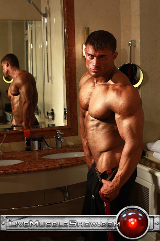 Rocky-Remington-Live-Muscle-Show-Gay-Porn-Naked-Bodybuilder-nude-bodybuilders-gay-fuck-muscles-big-muscle-men-gay-sex-004-gallery-video-photo