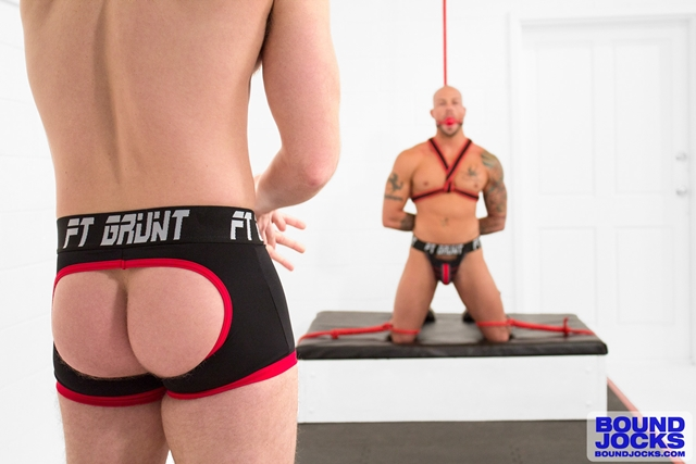 BoundJocks-muscle-hunks-Bound-jock-Sean-Duran-knees-Brian-Bonds-hard-cock-suck-004-male-tube-red-tube-gallery-photo
