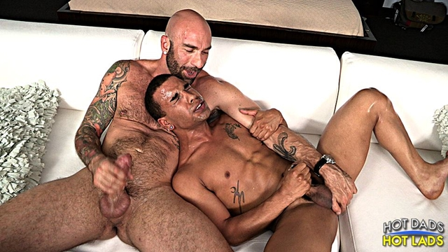 Hot-Lads-Hot-Dads-Hung-daddy-Drew-Sebastian-power-bottom-lad-Trelino-kiss-Drew-Sebastian-thick-cum-load-016-male-tube-red-tube-gallery-photo
