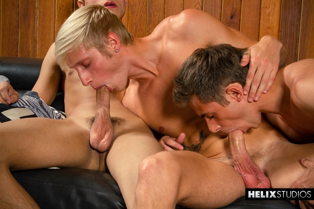 Helix-young-naked-boys-threeway-Max-Carter-Jacob-Dixon-Kody-Knight-cock-raw-ass-fuck-bareback-condom-free-012-male-tube-red-tube-gallery-photo