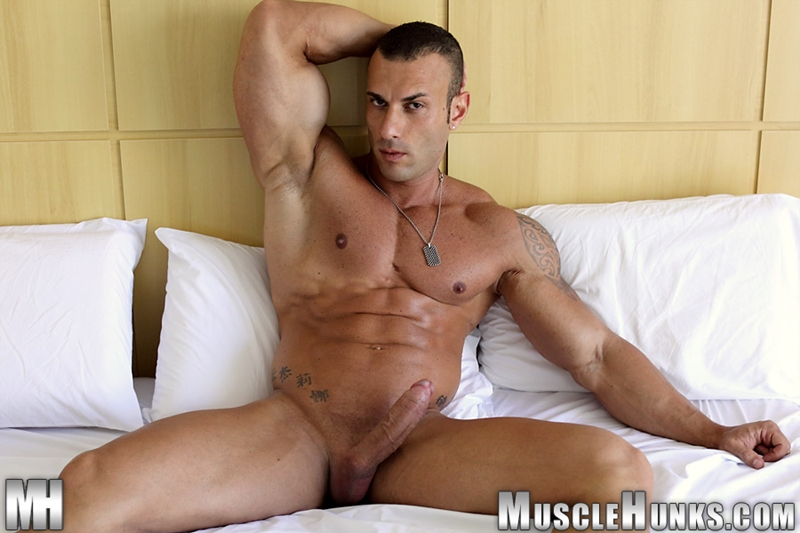 MuscleHunks-Sicilian-superstar-Gianluigi-Volti-muscle-handsome-super-ripped-super-hung-super-sexy-bodybuilder-015-tube-download-torrent-gallery-photo