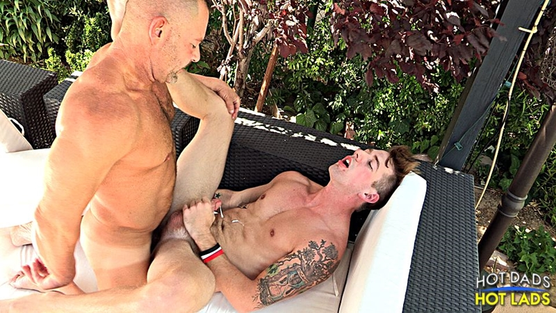 HotLadsHotDads-hot-dad-Doug-Jeffries-cute-boy-Sean-Blue-kiss-asshole-fucks-couch-thrusting-deep-lad-tight-hole-014-tube-download-torrent-gallery-photo