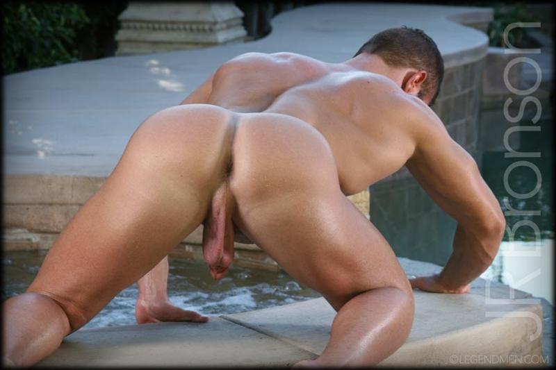 -JR-Bronson-naked-sexy-muscled-bodybuilder-jerks-huge-curved-dick-hot ...