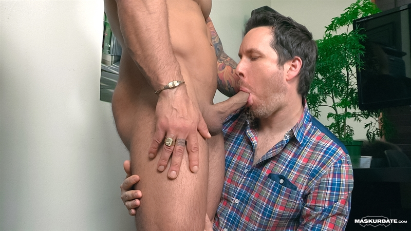 Maskurbate-Office-Suck-Pascal-Italian-Stallion-Elio-masked-cocksucker-oral-skill-blowjob-big-dick-sucking-007-tube-download-torrent-gallery-photo