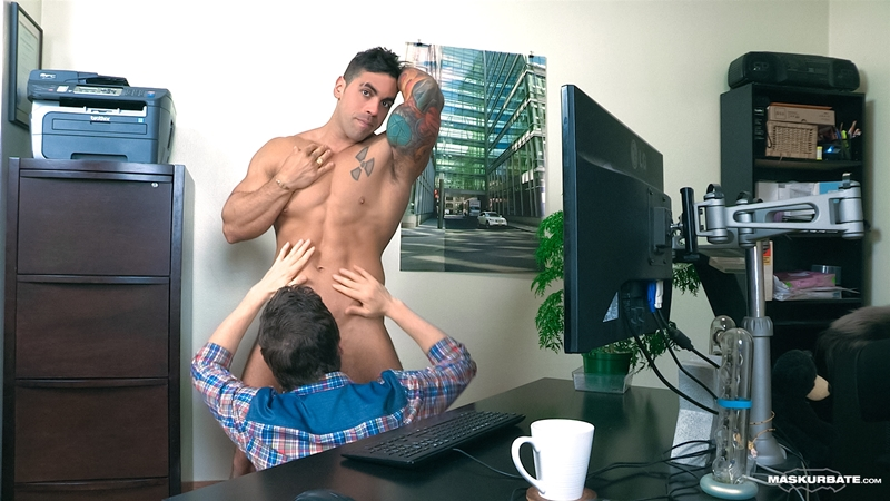 Maskurbate-Office-Suck-Pascal-Italian-Stallion-Elio-masked-cocksucker-oral-skill-blowjob-big-dick-sucking-011-tube-download-torrent-gallery-photo