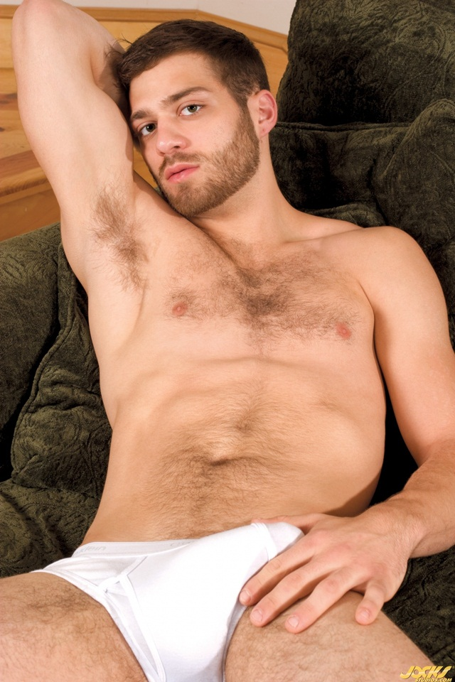 Jocks Studios: hairy boy Tommy Defendi fucks Andrew Jakk