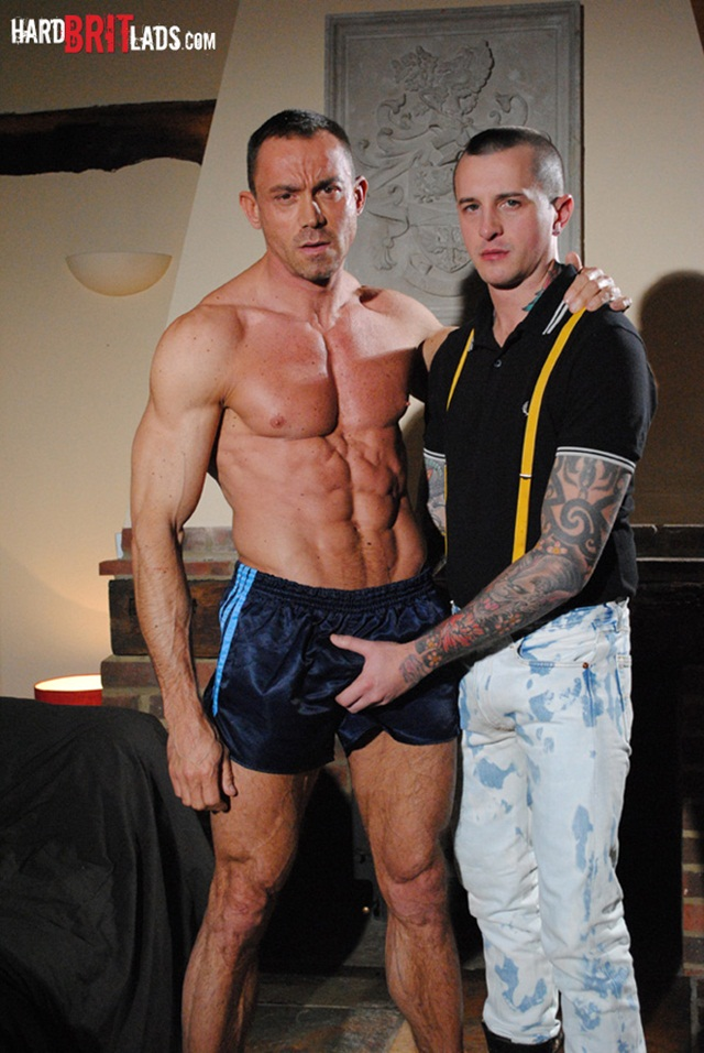 Hard Brit Lads: Bodybuilder Simon Layton and slave Dan Jensen sleazy ass fuck