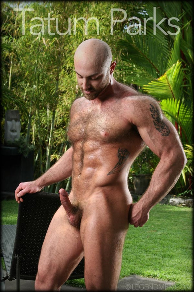 Muscle Men Gay Porn hairy big muscle bodybuilder tatum parks jerks out a huge