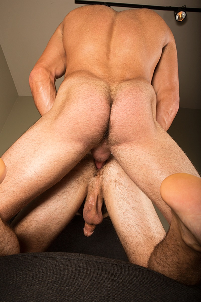 SeanCody-Hairy-chested-muscle-hunk-sexy-Scott-bareback-fucks-Tanner-bare-cock-tanned-ass-cheeks-raw-asshole-bareback-fucks-man-hole-edge-011-gay-porn-sex-porno-video-pics-gallery-photo