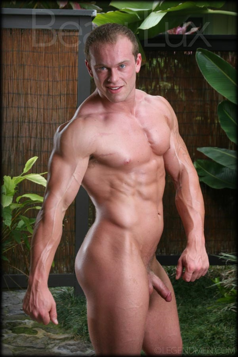 Muscle Men Gay Porn naked muscled hunk beau lux legend men's newest bodybuilder