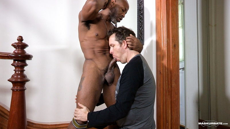 Maskurbate-DILF-Dad-I-like-to-fuck-hot-mature-men-worship-muscular-bodies-Robert-well-hung-black-guy-huge-ebony-9-inch-long-uncut-thick-dick-07-gay-porn-star-sex-video-gallery-photo