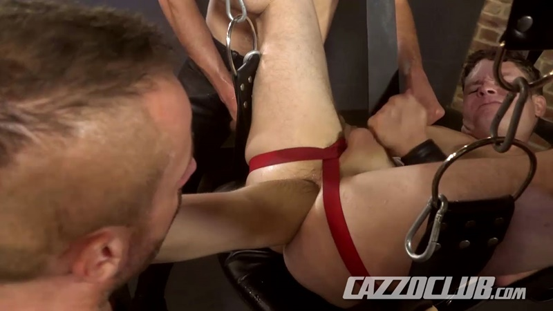 cazzoclub-naked-pig-fisting-bottom-ashley-ryder-horny-top-nico-lust-hairless-pink-ass-open-asshole-gaping-cunt-rosebud-swollen-016-gay-porn-sex-gallery-pics-video-photo