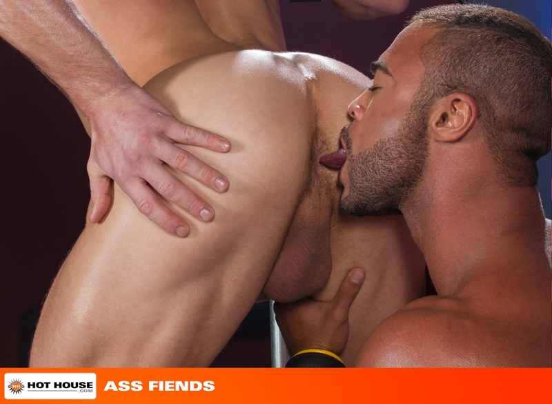 Hothouse-sexy-nude-hunk-stud-Ryan-Rose-big-muscle-man-Micah-Brandt-huge-long-cock-oral-ass-rim-cum-shot-six-pack-washboard-abs-orgasm-009-gay-porn-sex-gallery-pics-video-photo