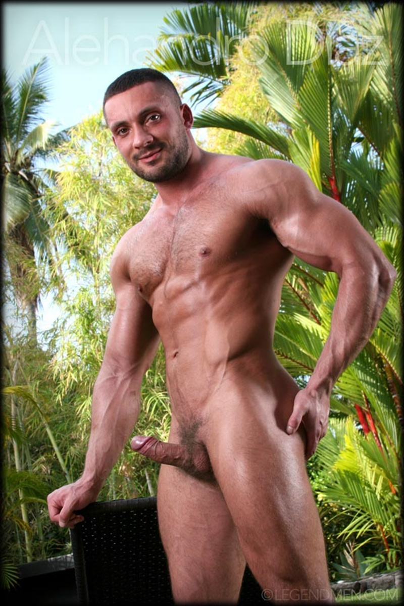 Hot naked big muscle dude Alehandro Diaz strips and shows off his ripped six pack abs and big muscled dick