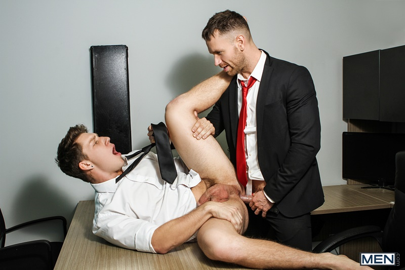Men gay porn naked muscle dudes sex toy pics Paul Canon electric butt plug older hunk new boss Kit Cohen muscled mature man 012 gallery video photo - Paul Canon's electric butt plug goes off during job interview with new boss Kit Cohen