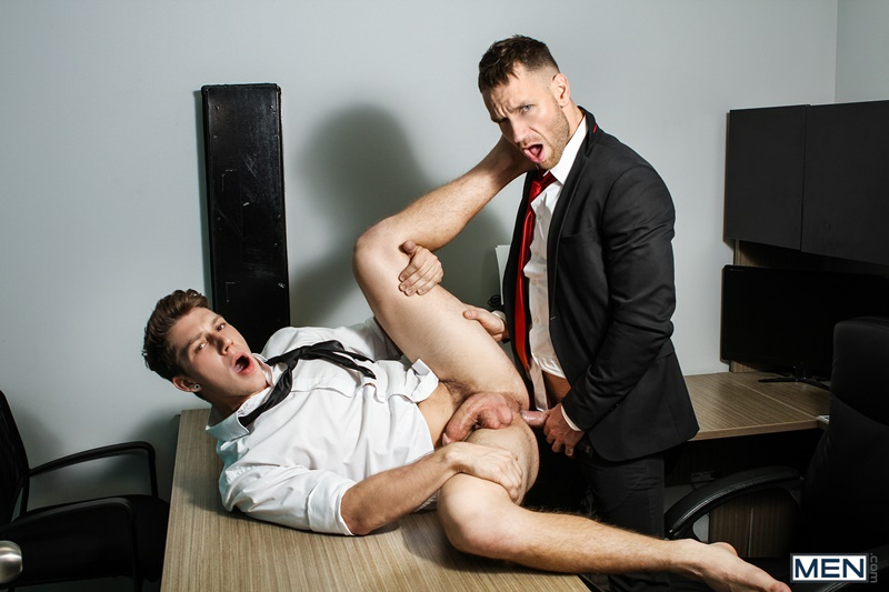 Men gay porn naked muscle dudes sex toy pics Paul Canon electric butt plug older hunk new boss Kit Cohen muscled mature man 014 gallery video photo - Paul Canon's electric butt plug goes off during job interview with new boss Kit Cohen