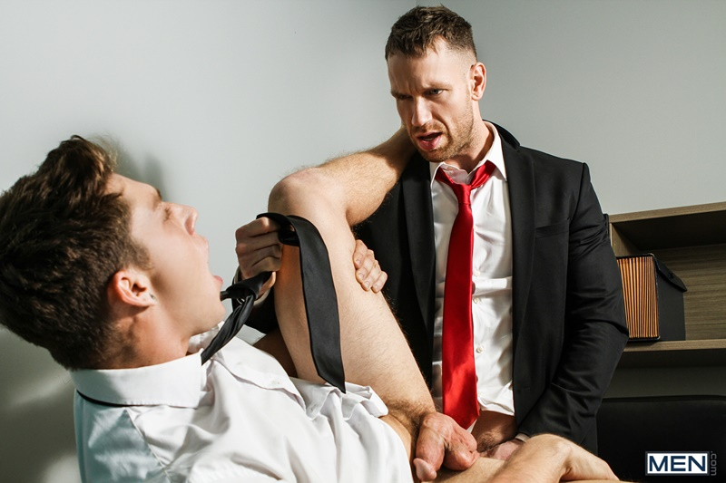 Men gay porn naked muscle dudes sex toy pics Paul Canon electric butt plug older hunk new boss Kit Cohen muscled mature man 015 gallery video photo - Paul Canon's electric butt plug goes off during job interview with new boss Kit Cohen