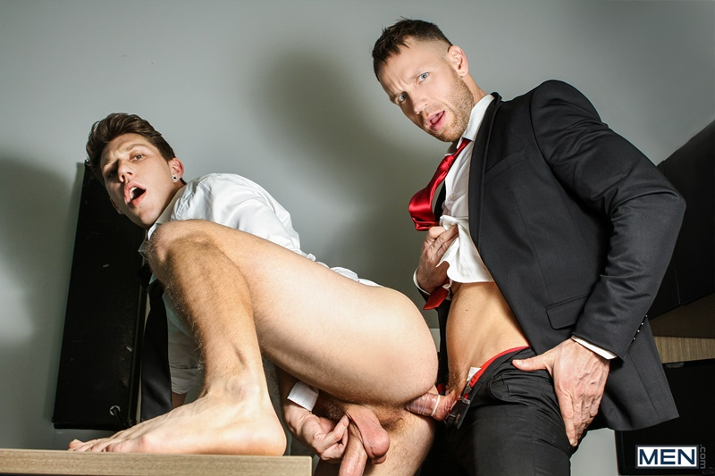 Men gay porn naked muscle dudes sex toy pics Paul Canon electric butt plug older hunk new boss Kit Cohen muscled mature man 019 gallery video photo - Paul Canon's electric butt plug goes off during job interview with new boss Kit Cohen