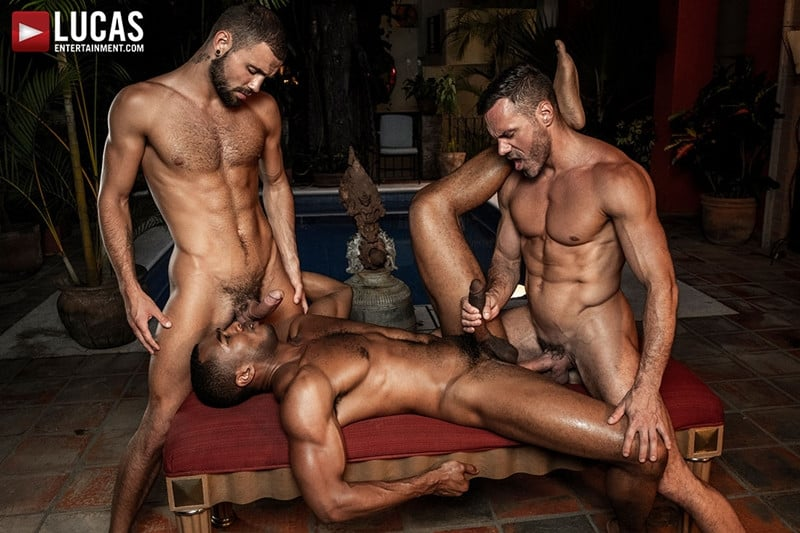 Men for Men Blog MANUEL-SKYE-JEFFREY-LLOYD-SEAN-XAVIER-SUNSET-SEX-LucasEntertainment-028-gay-porn-pictures-gallery Jeffrey Lloyd bareback fucks Sean Xavier before he takes Manuel Skye's big muscle cock Lucas Entertainment