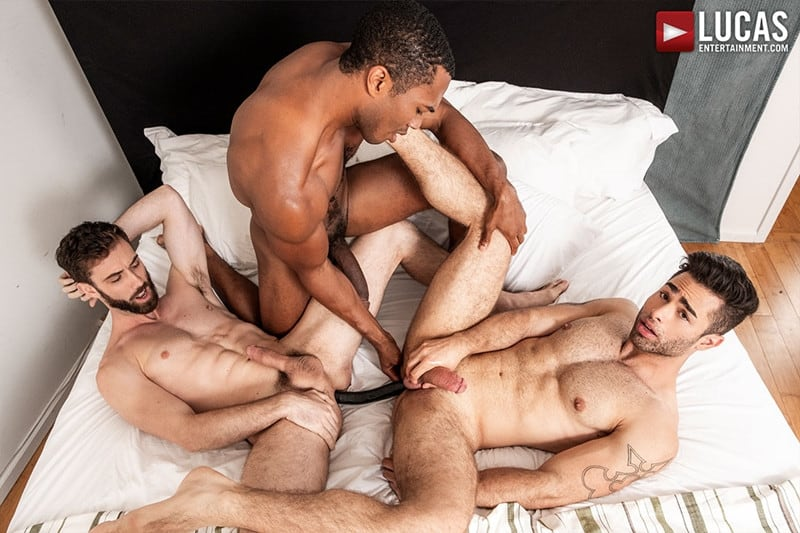 Men for Men Blog JASON-COX-LUCAS-LEON-SEAN-XAVIER-MONSTER-BLACK-DICK-big-muscle-threesome-LucasEntertainment-014-gay-porn-pictures-gallery Hot muscle dudes Jason Cox and Lucas Leon double fucked by Sean Xavier Lucas Entertainment