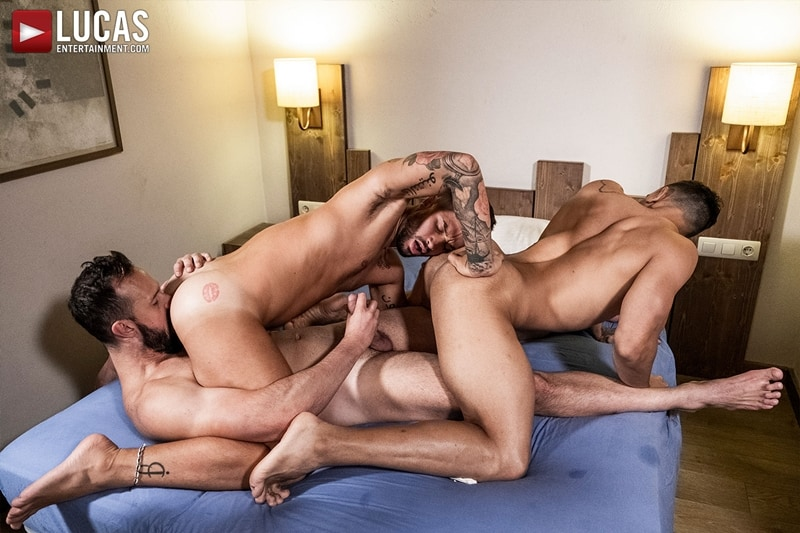 Hottie-muscle-hunks-Andrea-Suarez-Andy-Onassis-J-Anders-uncut-raw-fucking-LucasEntertainment-021-Gay-Porn-Pics