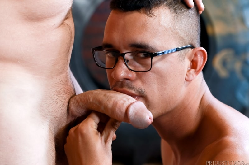 Mike-Lobo-sucking-Matt-Wingman-huge-dick-ExtraBigDicks-008-Gay-Porn-Pics