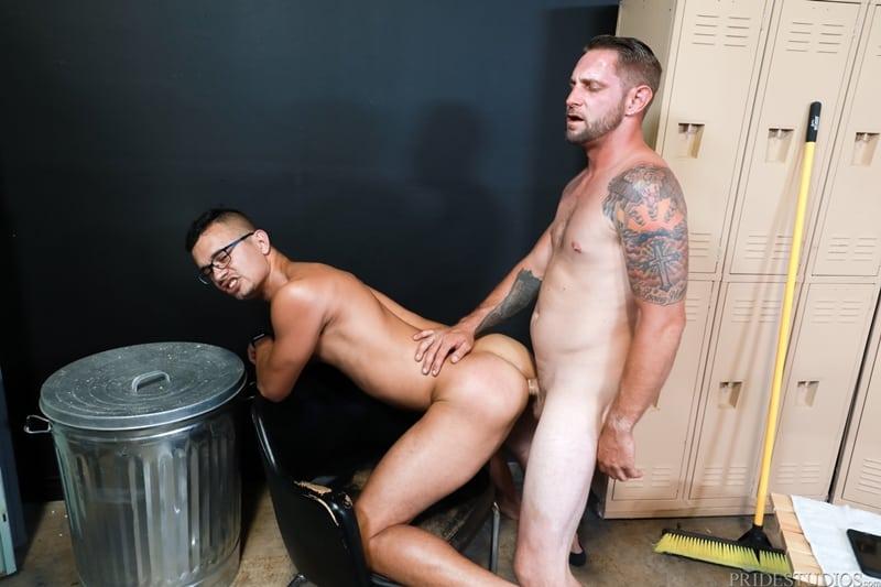 Mike-Lobo-sucking-Matt-Wingman-huge-dick-ExtraBigDicks-011-Gay-Porn-Pics