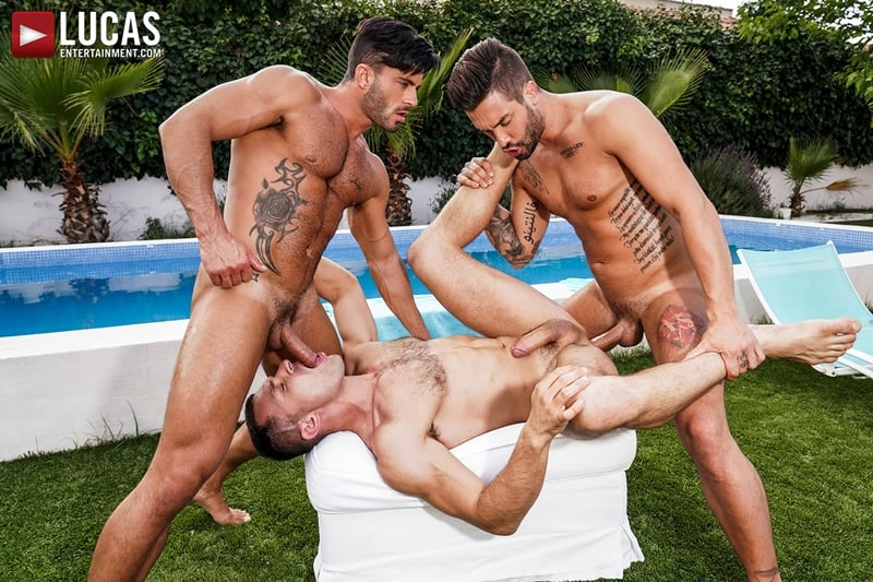 Poolside-Lucas-Men-threesome-Andrea-Suarez-Andy-Star-James-Castle-bareback-ass-fucking-orgy-LucasEntertainment-017-Gay-Porn-Pics