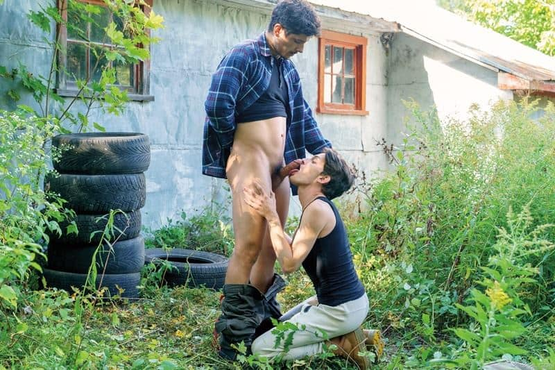 Outdoors muscle stud Rocky Vallarta huge bare dick fucking hot young Edward Terrant tight hole 001 gay porn pics - Outdoors muscle stud Rocky Vallarta's huge bare dick fucking hot young Edward Terrant's tight hole