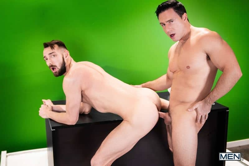 Ripped muscle stud Reese Rideout huge dick bareback fucking young hottie Johnny B hot bubble butt 020 gay porn pics - Ripped muscle stud Reese Rideout's huge dick bareback fucking young hottie Johnny B's hot bubble butt