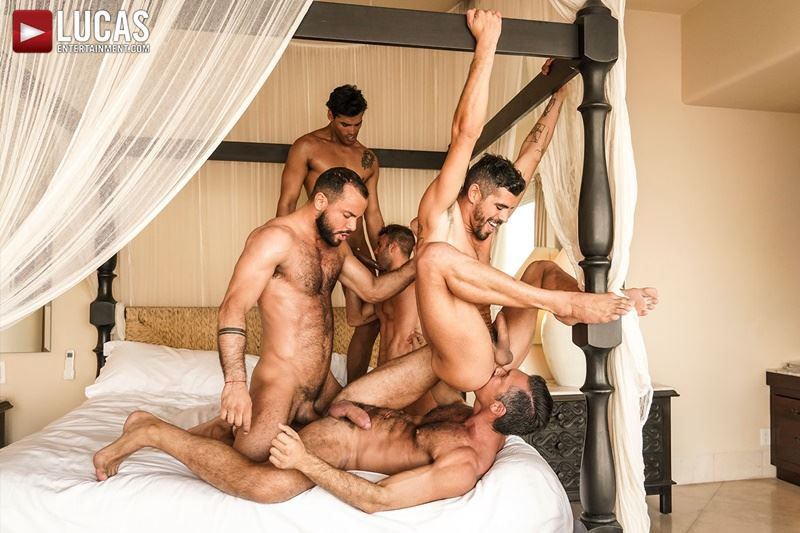 Hottie muscle studs Allen King Marco Antonio Silver Steele Sir Peter Valentin Amour bareback anal fucking Lucas Entertainment 003 gay porn pics - Hottie muscle studs Allen King, Marco Antonio, Silver Steele, Sir Peter and Valentin Amour bareback anal fucking at Lucas Entertainment