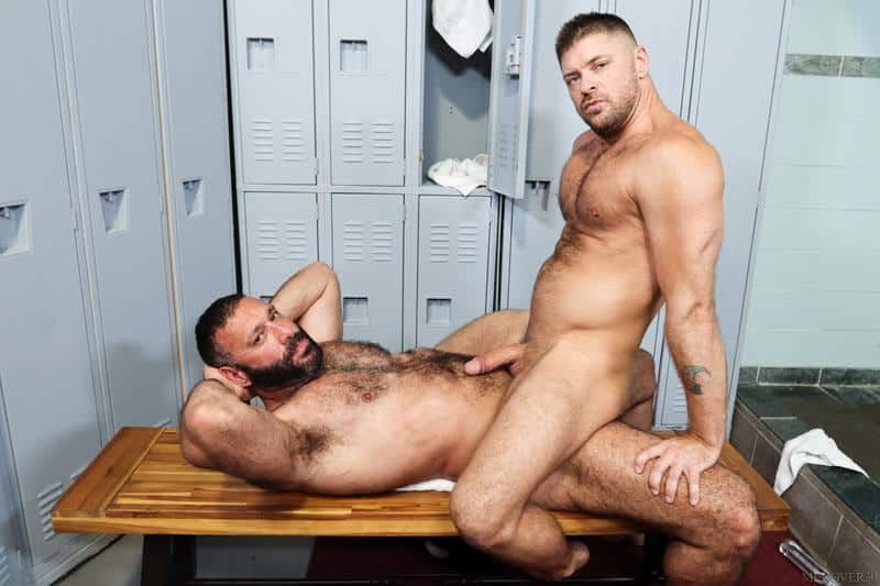 Hot older stud Jack Andy hairy bubble butt raw fucked bearded Alex Tikas uncut dick Men Over 30 10 gay porn image - Hot older stud Jack Andy's hairy bubble butt raw fucked by bearded Alex Tikas's uncut dick at Men Over 30