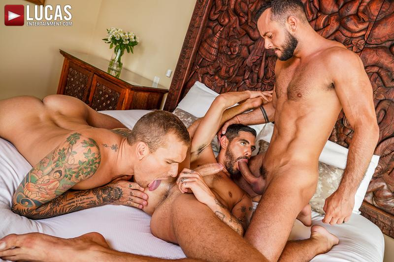 Horny muscle hunks Sir Peter Isaac X spit roast Valentin Amour lover Joaquin Santana watches Lucas Entertainment 1 gay porn image - Horny muscle hunks Sir Peter and Isaac X spit-roast Valentin Amour as lover Joaquin Santana watches at Lucas Entertainment