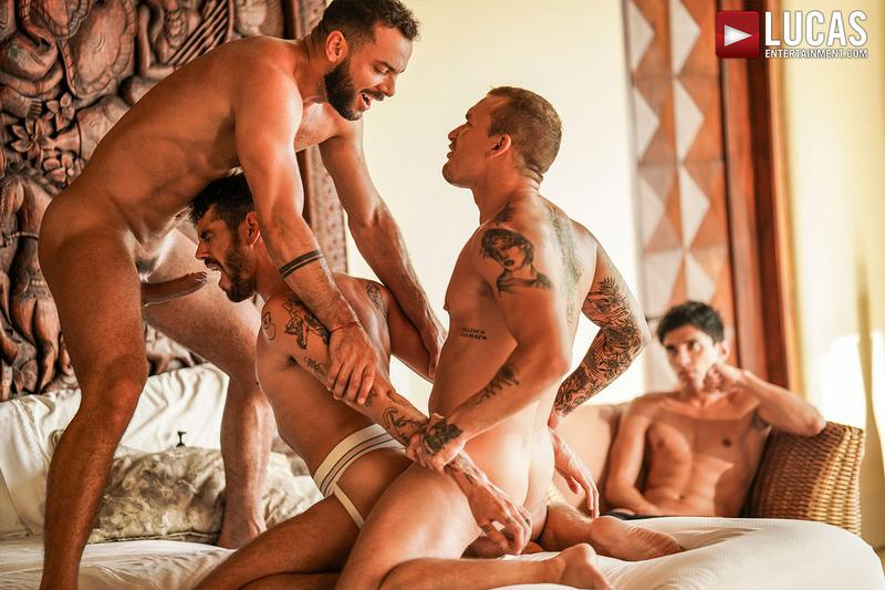 Horny muscle hunks Sir Peter Isaac X spit roast Valentin Amour lover Joaquin Santana watches Lucas Entertainment 21 gay porn image - Horny muscle hunks Sir Peter and Isaac X spit-roast Valentin Amour as lover Joaquin Santana watches at Lucas Entertainment