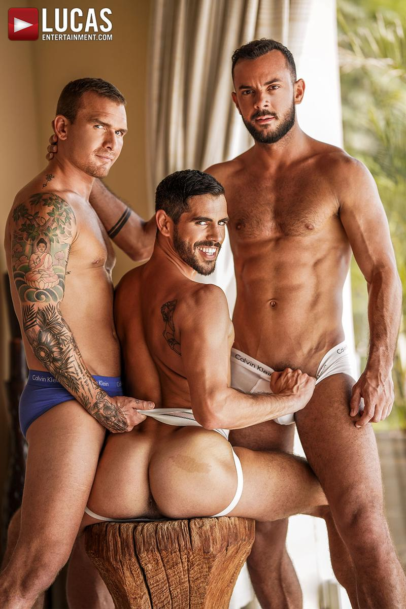 Horny muscle hunks Sir Peter Isaac X spit roast Valentin Amour lover Joaquin Santana watches Lucas Entertainment 3 gay porn image - Horny muscle hunks Sir Peter and Isaac X spit-roast Valentin Amour as lover Joaquin Santana watches at Lucas Entertainment