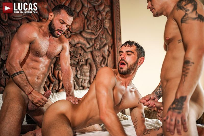 Horny muscle hunks Sir Peter Isaac X spit roast Valentin Amour lover Joaquin Santana watches Lucas Entertainment 32 gay porn image - Horny muscle hunks Sir Peter and Isaac X spit-roast Valentin Amour as lover Joaquin Santana watches at Lucas Entertainment