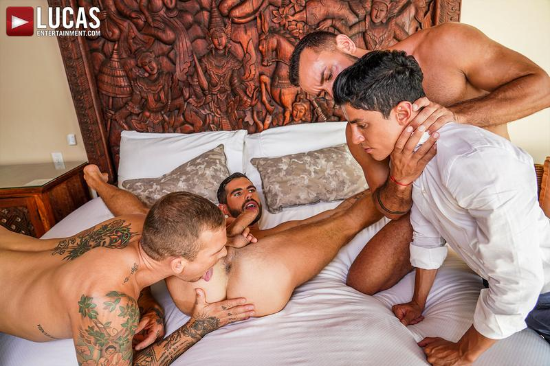 Horny muscle hunks Sir Peter Isaac X spit roast Valentin Amour lover Joaquin Santana watches Lucas Entertainment 7 gay porn image - Horny muscle hunks Sir Peter and Isaac X spit-roast Valentin Amour as lover Joaquin Santana watches at Lucas Entertainment