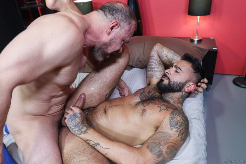Horny muscle stud Rikk York bubble butt raw fucked Max Sargent huge cock Men Over 30 14 gay porn image - Horny muscle stud Rikk York's bubble butt raw fucked by Max Sargent's huge cock at Men Over 30