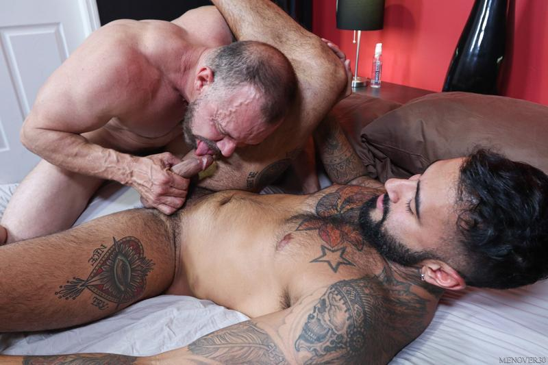 Horny muscle stud Rikk York bubble butt raw fucked Max Sargent huge cock Men Over 30 8 gay porn image - Horny muscle stud Rikk York's bubble butt raw fucked by Max Sargent's huge cock at Men Over 30